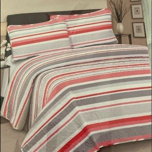 Hotel at home 3pc Quilt set King Stripes